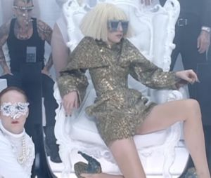 "Lady Gaga - ""Bad Romance"""