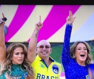 Jennifer Lopez e Pitbull brilharam na abertura da Copa do Mundo ao lado de Claudia Leitte