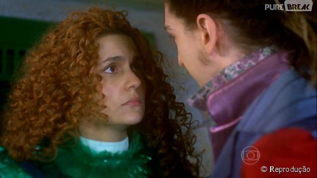 """Em """"Meu Pedacinho de Chão"""", Nando (Johnny Massaro) vai pedir Gina (Paula Barbosa) em namoro"""