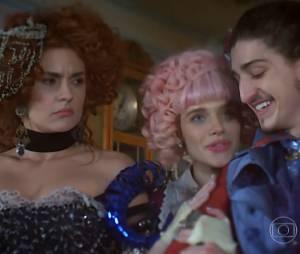 """Em """"Meu Pedacinho de Chão"""", Juliana (Bruna Linzmeyer) vai perguntar para Gina (Paula Barbosa) se ela pode ficar com Nando (Johnny Massaro)"""