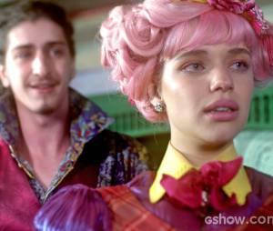 """No início de """"Meu Pedacinho de Chão"""", Nando (Johnny Massaro) se interessou por Juliana (Bruna Linzmeyer)"""