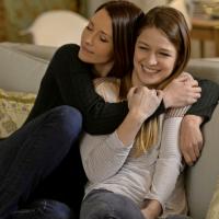 """Em """"Supergirl"""": na 3ª temporada, relação entre Kara e Alex é revelada!"""