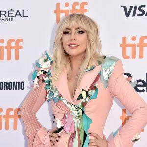 """Lady Gaga fala sobre inseguranças em novo trailer de """"Gaga: Five Foot Two"""", da Netflix!"""