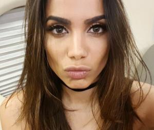 """Anitta explica sumiço das redes sociais: """"A gente precisa de uma folga"""""""