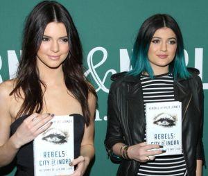 """Kylie e Kendall Jenner lançaram livro de ficção chamado """"Rebels: City of Indra"""""""
