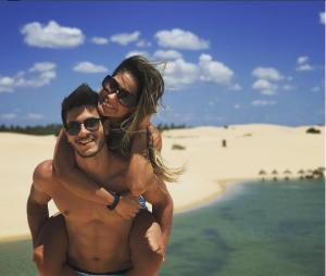 Arthur Aguiar e Mayra Cardi contam detalhes do noivado