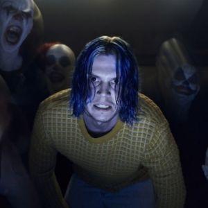 """Em """"American Horror Story: Cult"""", veja primeira foto de Evan Peters como serial killer!"""