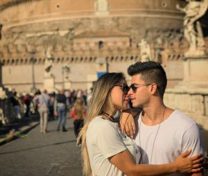 Arthur Aguiar e Mayra Cardi aproveitam viagem romãntica na Europa