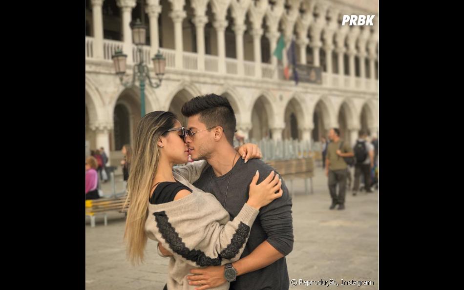 Arthur Aguiar e Mayra Cardi foram para a Europa juntos