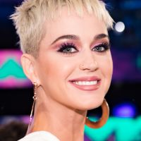 Katy Perry faz aniversário de 33 anos e fãs comemoram com hashtag no Twitter!