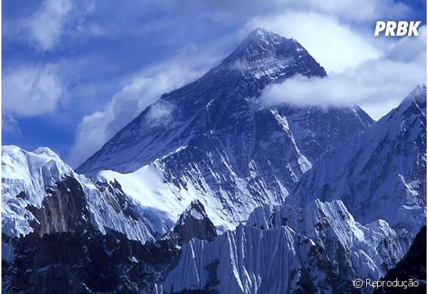 O Monte Everest está em fase de crescimento!