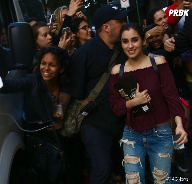 Fifth Harmony com fãs no Brasil