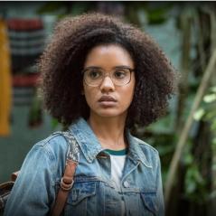 """Novela """"Malhação"""": Ellen (Heslaine Vieira) revela para as Five que sofreu preconceito na escola"""