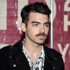"""Joe Jonas posta vídeo ouvindo pagode no Brasil e fãs piram: """"Salvou meu dia"""""""