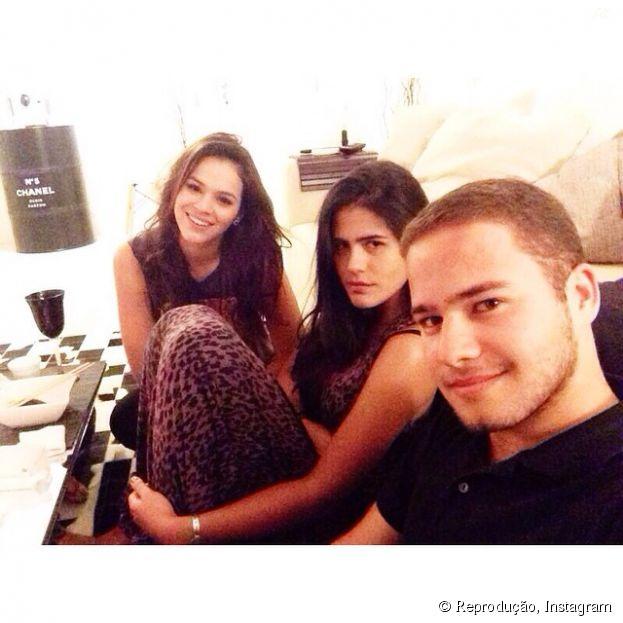 Amigo de Bruna Marquezine nega término de namoro da atriz com Neymar Jr.