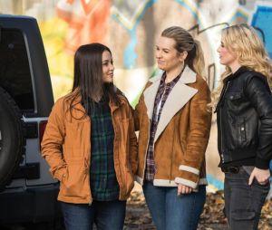 """De """"Supernatural"""": """"Wayward Sisters"""", spin-off da série, ganha suas primeiras imagens oficiais!"""