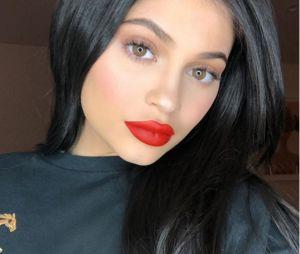 Kylie Jenner alcança 100 milhões de seguidores no Instagram