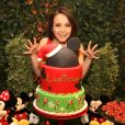 Larissa Manoela ganha festa de aniversário surpresa de 17 anos com tema Disney