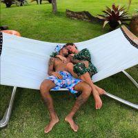 """Bruna Marquezine curte foto com Neymar e deixa declaração: """"Eu te amo"""""""