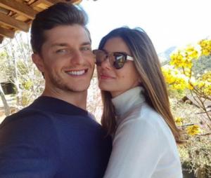 """Camila Queiroz e Klebber Toledo focam em casamento após final de """"Pega Pega"""""""