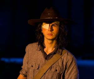 """Em """"The Walking Dead"""", morte de Carl (Chandler Riggs) é defendida por criador"""