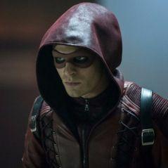 """Em """"Arrow"""": na 6ª temporada, Arsenal (Colton Haynes) retorna à série em nova foto"""