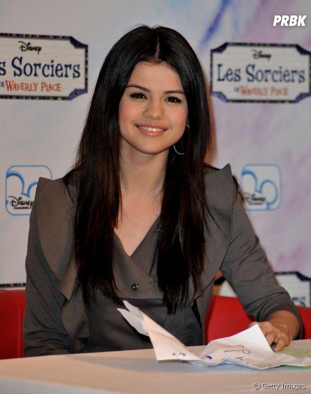 Selena Gomez enfrenta problemas com a depressão e ansiedade desde a época da Disney