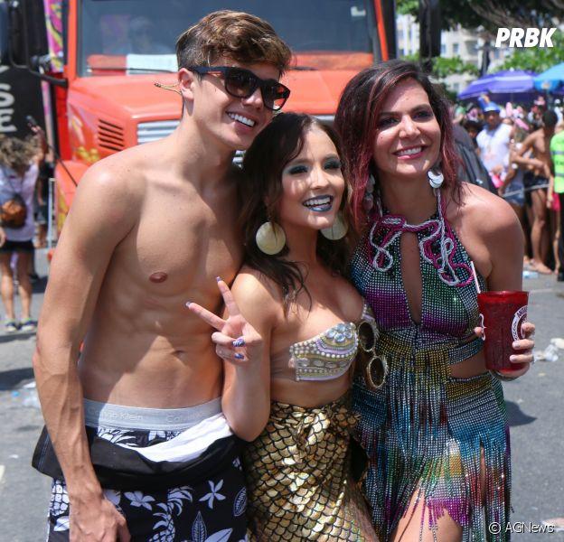 Larissa Manoela e o namorado, Leo Cidade, estão aproveitando juntos o Carnaval do Rio de Janeiro!