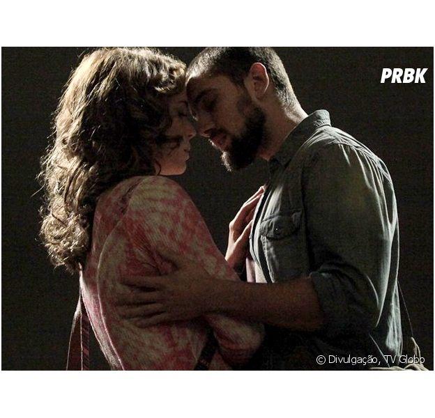 """Em """"Império"""", Cristina (Leandra Leal) e Vicente (Rafael Cardoso) se beijam"""
