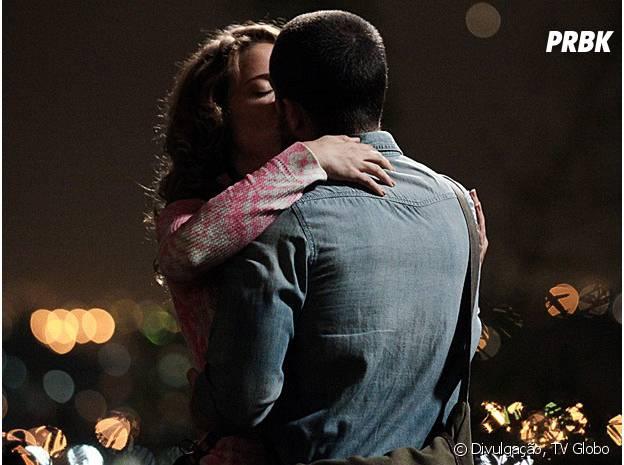 """Vicente (Rafael Cardoso) confessa seus sentimentos para Cristina (Leandra Leal) em """"Império"""""""