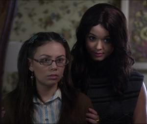 """The Perfectionists"": spin-off de ""Pretty Little Liars"" terá Mona (Janel Parrish) e Alison (Sasha Pieterse)"