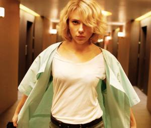 """Scarlett Johansson ganha superpoderes em """"Lucy"""""""