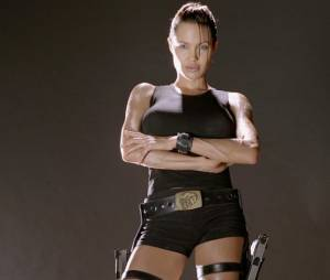 """Angelina Jolie é a protagonista de """"Lara Croft"""""""