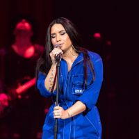 "Demi Lovato regrava clássico ""I Never Loved a Man (The Way I Love You)"", de Aretha Franklin"