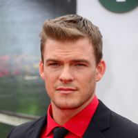 "Na 4ª temporada de ""New Girl"": Alan Ritchson é mais um nome confirmado no elenco"