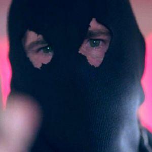 """Em """"Riverdale"""": na 2ª temporada, o Black Hood voltou e já matou mais um personagem!"""