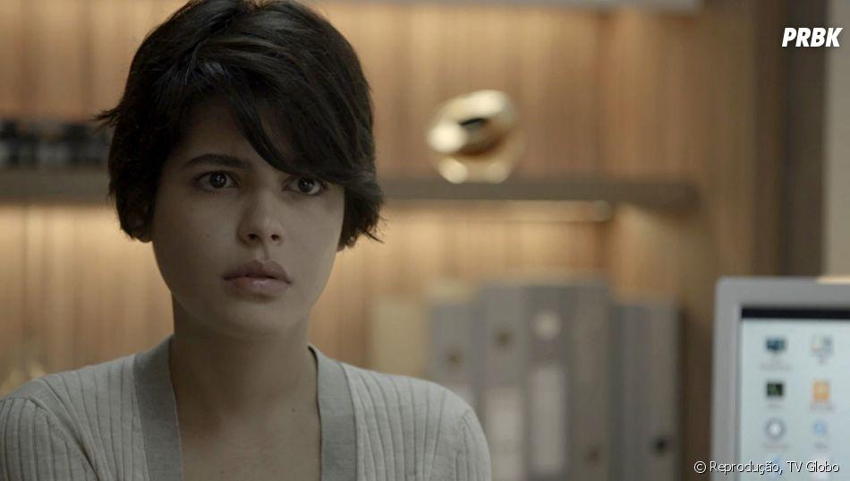 Em O Outro Lado do Paraíso: Adriana (Julia Dalavia) pede
