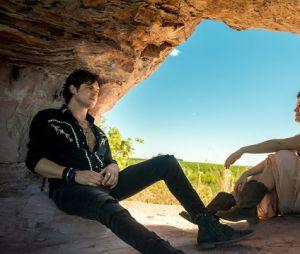 """Em """"O Outro Lado do Paraíso"""", Clara (Bianca Bin) estava pensando em voltar com Gael (Sergio Guizé)"""