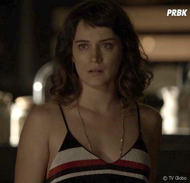 """Em """"O Outro Lado do Paraíso"""": Clara (Bianca Bin) fica entre a vida e a morte após parto"""
