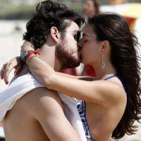 """Isis Valverde e Marco Pigossi beijam muito em gravação de """"Boogie Oogie""""!"""