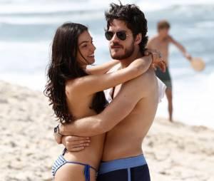 Marco Pigossi e Isis Valverde interpretam Sandra e Rafael em Boogie Oogie