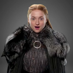 """Sophie Turner, de """"Game of Thrones"""", revela se deu spoiler do final da série em sua nova tatuagem"""