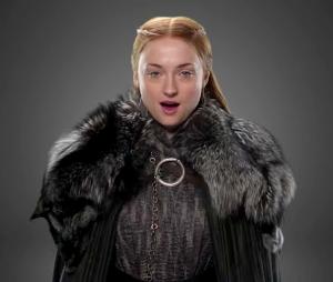 """Sophie Turner revela se deu spoilers do final de """"Game of Thrones"""" com sua nova tatuagem"""