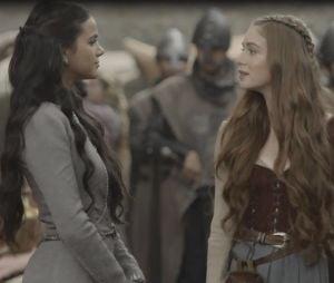 """Em """"Deus Salve o Rei"""", Amália (Marina Ruy Barbosa) pode ser irmã de Catarina (Bruna Marquezine), sua maior rival"""