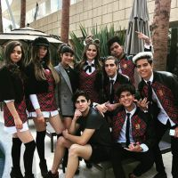 """Antes da estreia na TV, """"Like, La Leyenda"""" lança clipe do primeiro single"""