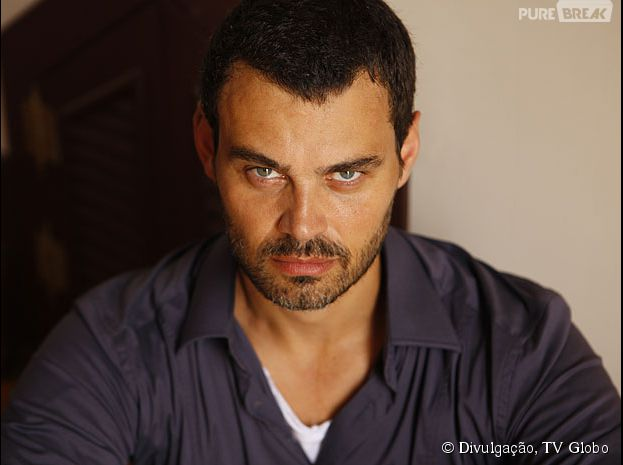 """Maurílio Ferreira (Carmo Dalla Vecchia) pode ameaçar a fortuna de José Alfredo (Alexandre Nero), na novela """"Império"""""""