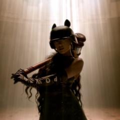 "Ariana Grande libera making of do clipe de ""God is a woman"""
