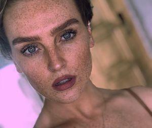 Perrie Edwards, do Little Mix, posta foto sem maquiagem e surpreende ao mostrar todas as suas sardas!