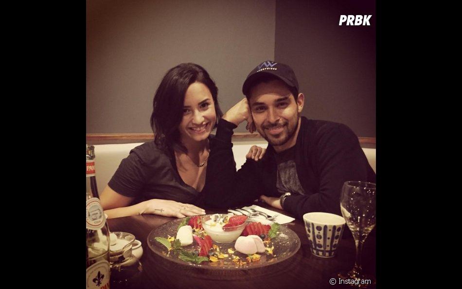 Demi Lovato e Wilmer Valderrama andam se encontrando na clínica de reabilitação