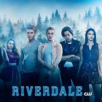 """Lili Reinhart diz que Betty Cooper estará bem estressada na 3ª temporada de """"Riverdale"""""""